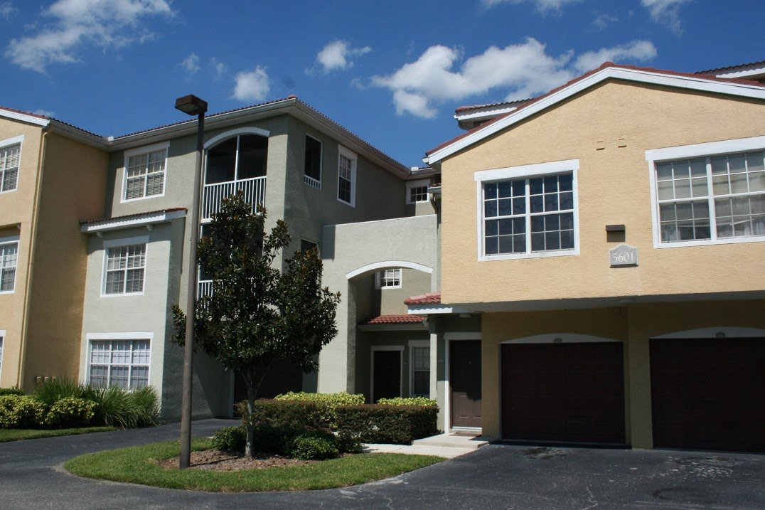 Own a rental property in Las Palmas that you need rented? Contact Lindsay Leasing, a Sarasota property management company.